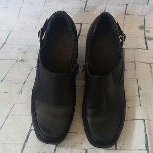 Clarks Women's Black Ankle Side Zip Booties sz 8M